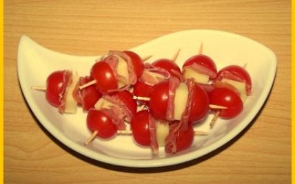 recette brochettes de tomates jambon cru et etorki 750g. Black Bedroom Furniture Sets. Home Design Ideas