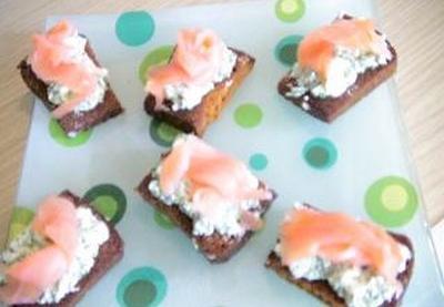 Recette toasts de pain d 39 pices sans gluten au saumon not e 4 5 - Pain d epice sans gluten ...