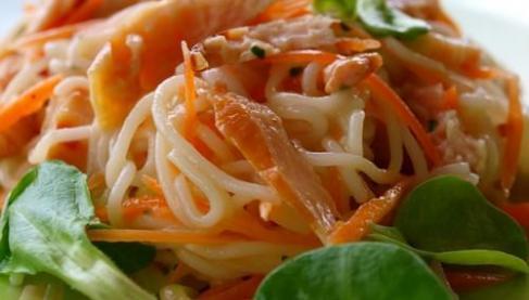 recette salade asiatique aux nouilles et poulet 750g. Black Bedroom Furniture Sets. Home Design Ideas