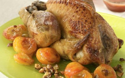 Recette - Pintade au four aux abricots et noisettes | 750g on