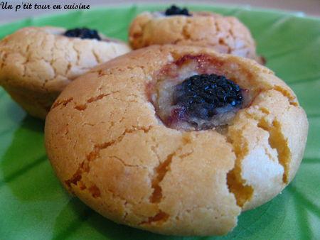 Recette Biscuits Croquants A La Pate D Amande Et Aux Mures 750g