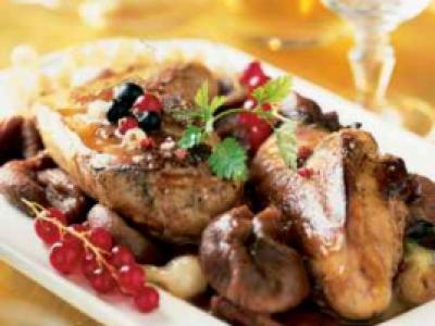 Recette , Foie gras en cocotte, figues confites et sauce au porto