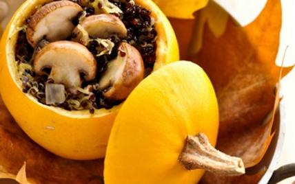 Recette Courges Pomme D Or Farcie Au Quinoa Noir Et Champignons De