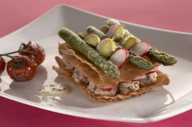 Recette millefeuille de bricks au caviar d 39 aubergine et - Cuisiner les asperges vertes ...