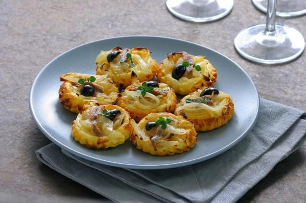 recette mini tartelettes fines aux oignons et anchois fa on pissaladi re 750g. Black Bedroom Furniture Sets. Home Design Ideas