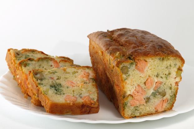 recette cake gourmand au saumon frais et courgette 750g. Black Bedroom Furniture Sets. Home Design Ideas