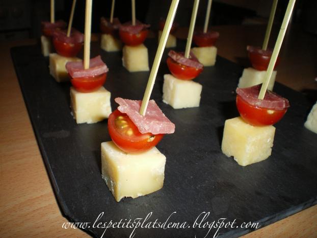 recette brochettes ap ritifs de tomates et fromages 750g. Black Bedroom Furniture Sets. Home Design Ideas