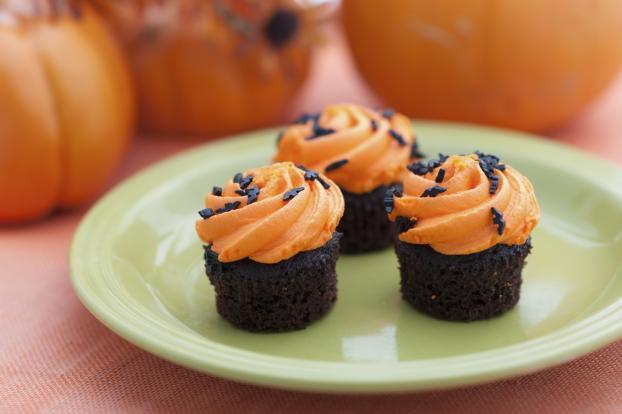 recette cupcakes d 39 halloween chocolat orange 750g. Black Bedroom Furniture Sets. Home Design Ideas