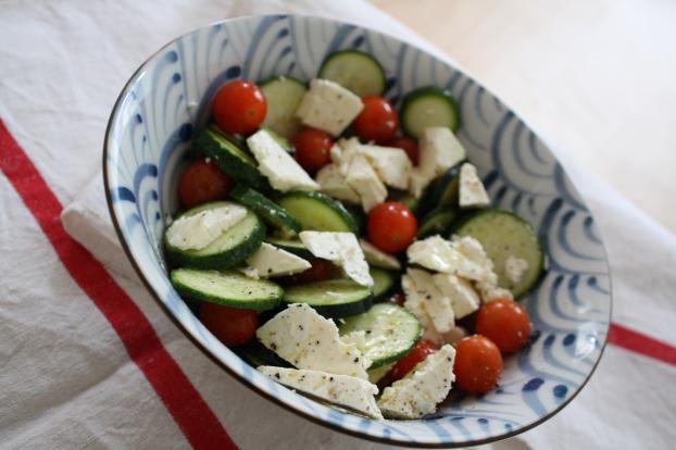 recette salade croquante de jeunes courgettes tomates cerises et feta 750g. Black Bedroom Furniture Sets. Home Design Ideas
