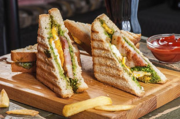 recette sandwich chaud au poulet grill et pesto 750g. Black Bedroom Furniture Sets. Home Design Ideas