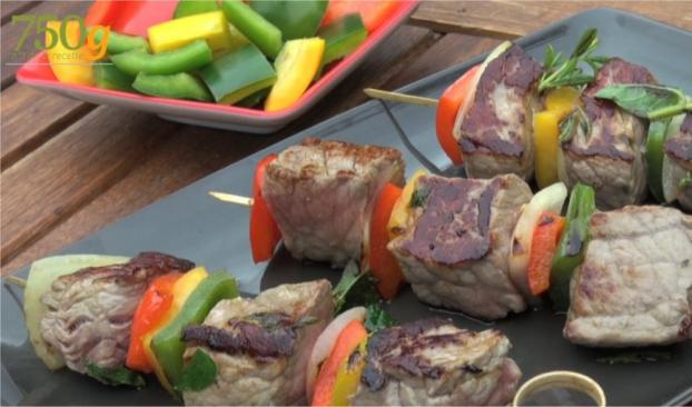 recette brochettes de boeuf la plancha en vid o. Black Bedroom Furniture Sets. Home Design Ideas