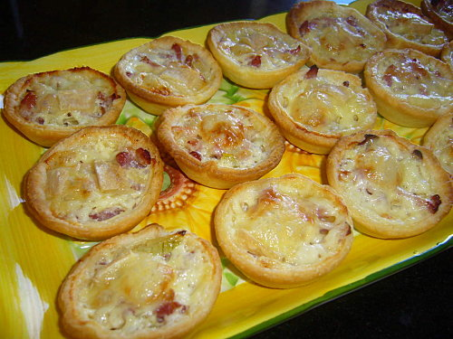 recette mini tartelettes saint nectaire oignons lardons 750g. Black Bedroom Furniture Sets. Home Design Ideas