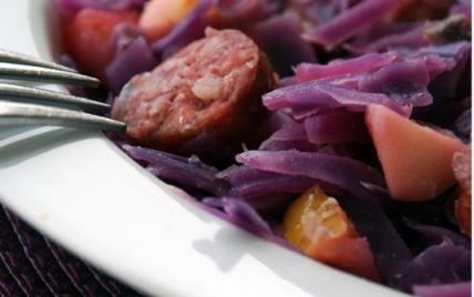 Recette chou rouge aux pommes et saucisse fum e 750g - Cuisiner des saucisses fumees ...