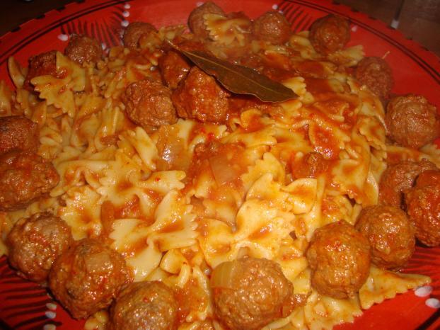 Recette farfalles sauce tunisienne et boulettes viande - Cuisiner viande hachee ...