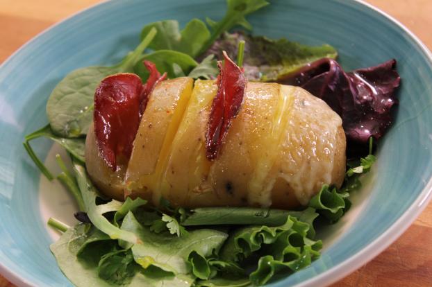recette pommes de terre au four la viande de grisons et tomme de jura en vid o. Black Bedroom Furniture Sets. Home Design Ideas