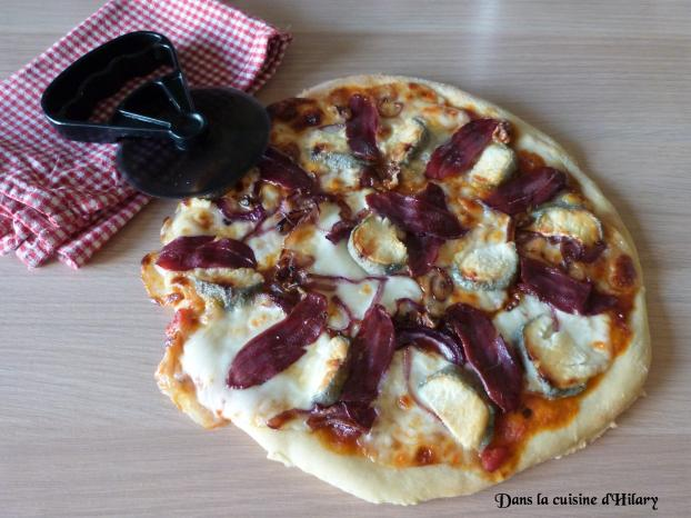 Recette Pizza Chic Aux Magrets De Canard Fume Crottin De Chevre