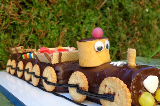 Recette locomotive d 39 anniversaire 750g - Gateau d anniversaire 3 ans ...