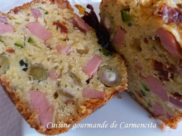 Assez Recette - Cake salé aux saucisses de strasbourg et courgettes | 750g UR73
