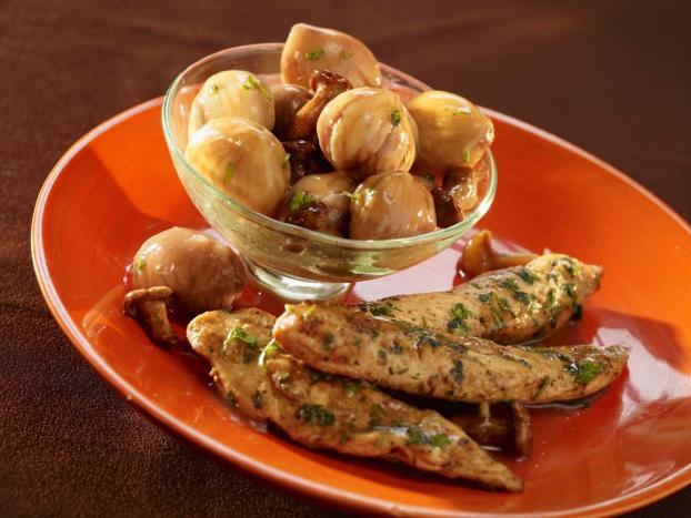 Recette fricass e d 39 aiguillettes de poulet fermier aux marrons et girolles 750g - Cuisiner aiguillette de poulet ...