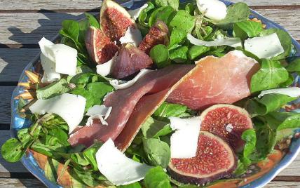 Recette figues fra ches au jambon sec de montagne et - Cuisiner figues fraiches ...