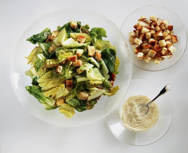 la salade c sar histoire et recette d un grand classique bistrotier. Black Bedroom Furniture Sets. Home Design Ideas