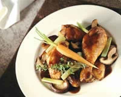 recette poulet au vin rouge aux l gumes et champignons 750g. Black Bedroom Furniture Sets. Home Design Ideas