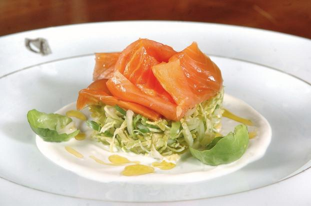Recette saumon fum bio choux de bruxelles et pommes granny smith cr me paisse aux oignons - Comment cuisiner du saumon surgele ...
