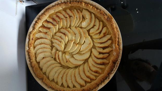 recette tarte aux pommes traditionnelle not e 4 2 5. Black Bedroom Furniture Sets. Home Design Ideas