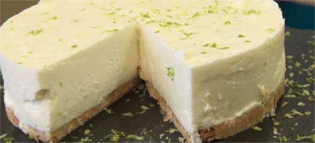 recette cheesecake sans cuisson au citron vert en vid o. Black Bedroom Furniture Sets. Home Design Ideas