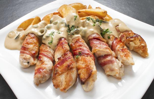 Recette allumettes au poulet et lard fum sauce au gorgonzola 750g - Comment cuisiner poulet fume ...