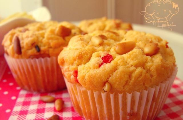 Cupcakes salés au Kiri, poivrons et pignons de pin - Photo par Cupcakement parlant...