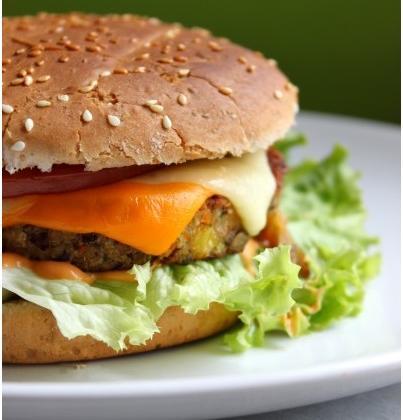 Burger végétarien au tofu - Photo par lacuisinedannaetolivia
