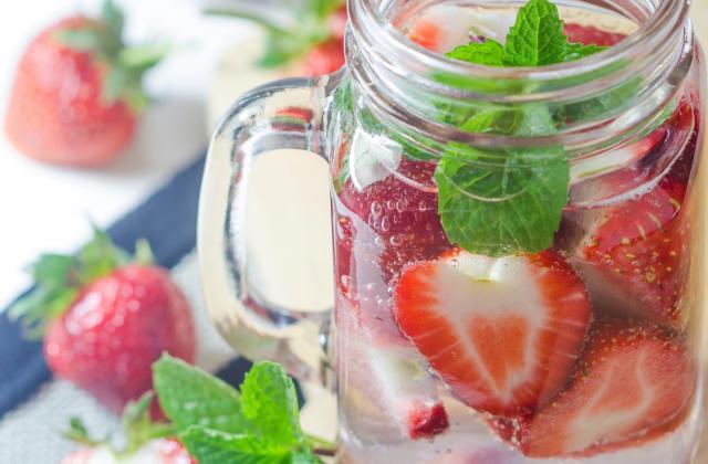 Detox water à la fraise - Photo par 750g