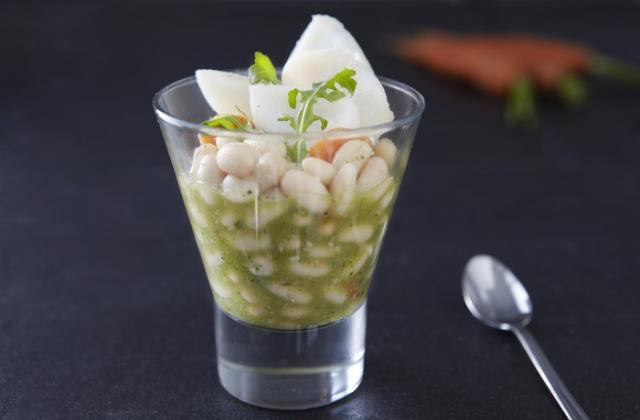 Salade de haricots blancs, cabillaud et pesto de roquette (en verrine) - Photo par Cassegrain