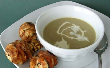 Soupe veloutée et raffinée aux topinambours - Photo par Milartist