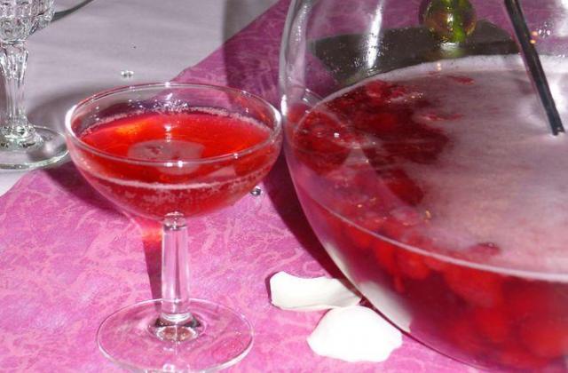 Soupe de champagne fraises et framboises - Photo par chapeae