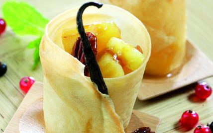 Nems d'ananas noix de pécan, caramel, rhum - Photo par Toupargel