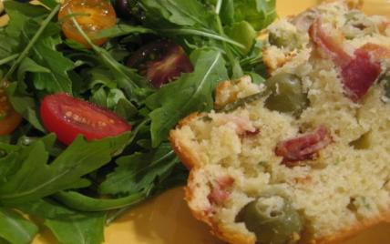 Cake aux olives et au lard - Photo par caribin