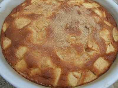Gâteau moelleux aux pommes caramélisées - Photo par Simone Panet