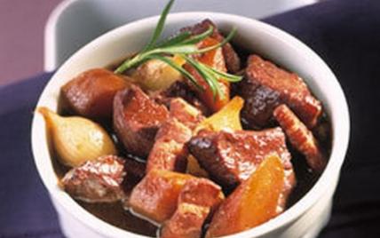 Daube provençale aux carottes et aux oignons nouveaux - Photo par Le Porc