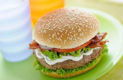 Burger Philadelphia-Bacon - Photo par Philadelphia