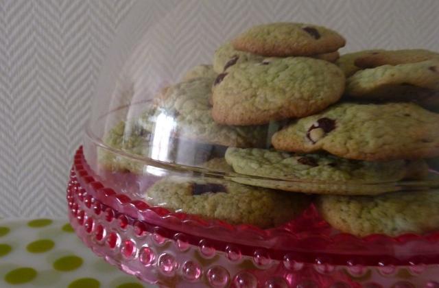 Cookies à la pistache, pépites de chocolat au lait et fraises confites - Photo par miss o