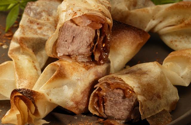 Dés de langue de bœuf et échalotes confites en feuille de brick - Photo par Les produits tripiers