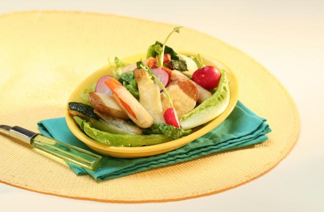 Salade romaine et légumes en tempura - Photo par Amora