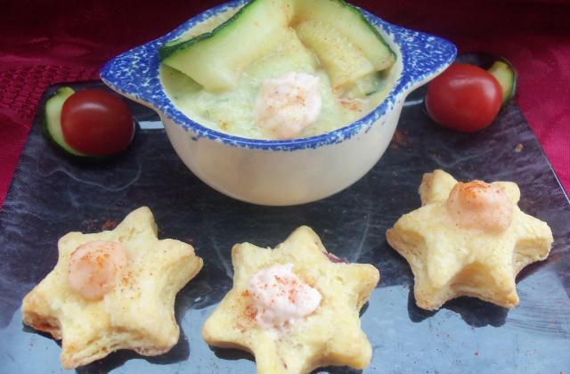 Soupe courgettes coco, sablés aux oignons et sa chantilly au saumon fumé - Photo par verob