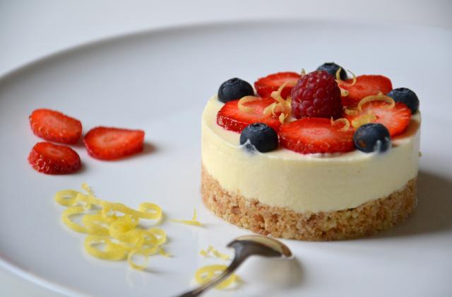 Cheesecake au citron, à la bergamote et aux fruits rouges (sans cuisson) - Photo par Les recettes de Juliette