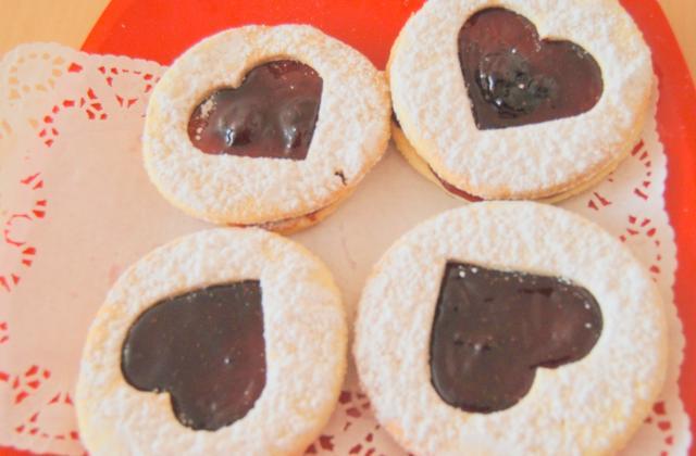 Sablé de la saint valentin : coco/  framboise - Photo par lamamap