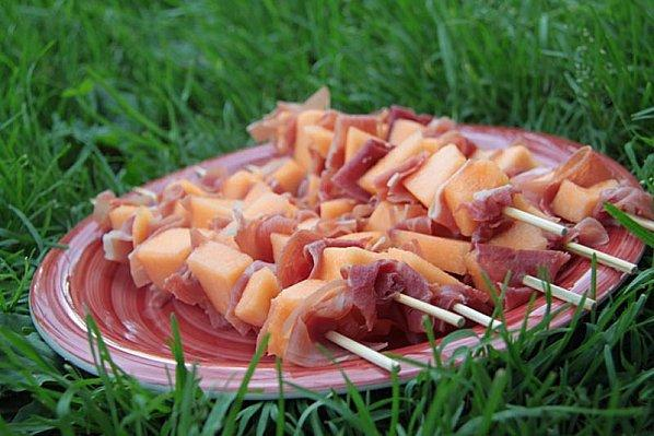 Brochettes melon - jambon de Bayonne - Photo par patchouka