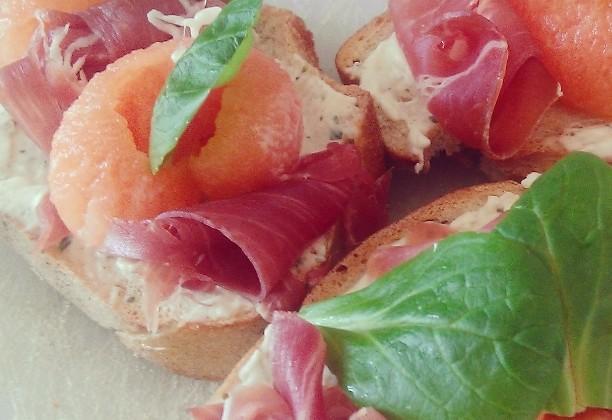 Tartine jambon-cru et melon - Photo par 68biso