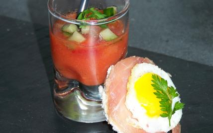 Gaspacho et brunoise de légumes, canapés jambon oeufs de caille - Photo par bboy41